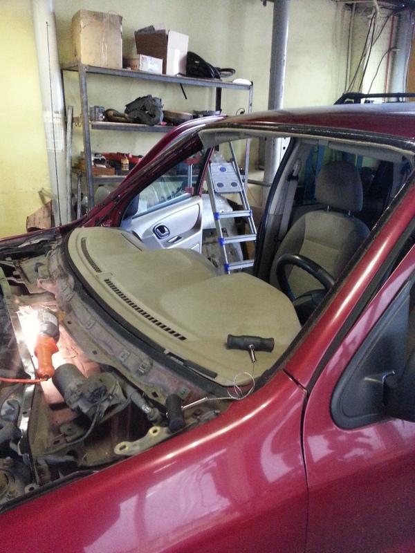 замена лобового стекла на форде