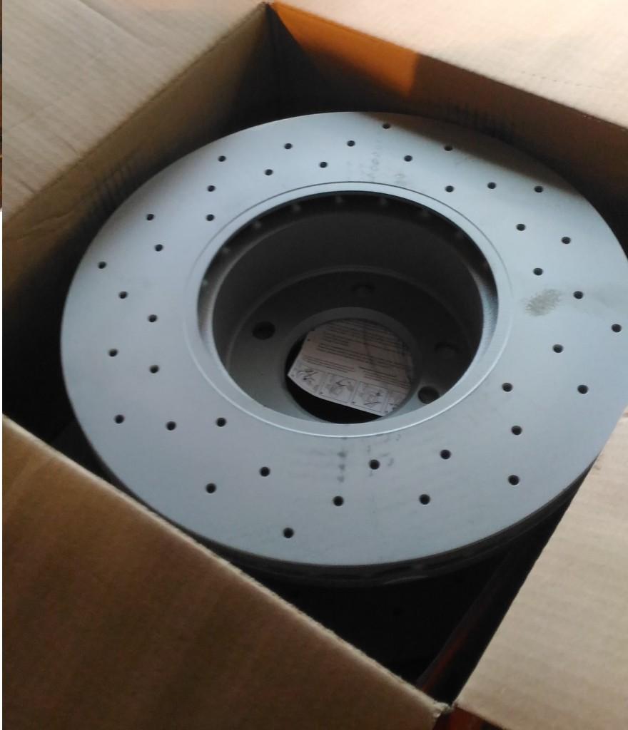 Новые тормозные диски на БМВ