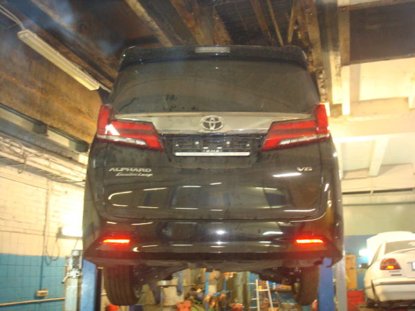 Toyota Alphard ремонт тормозной трубки автотело.рф