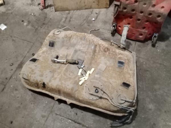 тойота калдина снятый топливный бак автотело.рф