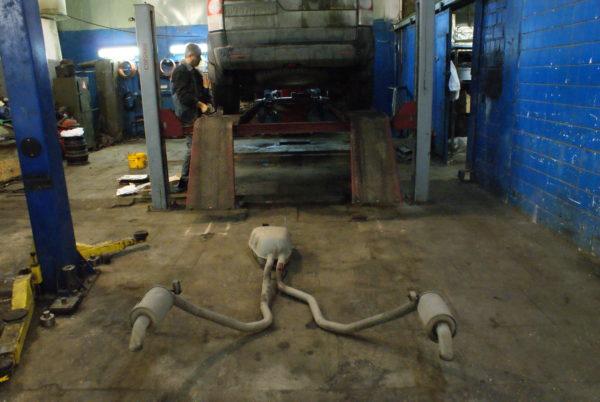 замена тормозных трубок Land Rover Discovery